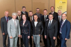 Von li vordere Reihe: Dr. Dr. Martin F. Siebert, Dr. Katharina Nebel, Dr. Francesco De Meo, Berthold Müller, Thomas Bublitz