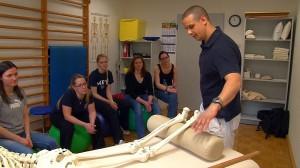 Studenten aus dem 3. klinischen Semester der Universität Duisburg-Essen erhalten während ihres Praxistags einen Einblick in die Arbeit der Therapeuten und Ärzte der Dr. Becker Klinik Möhnesee.