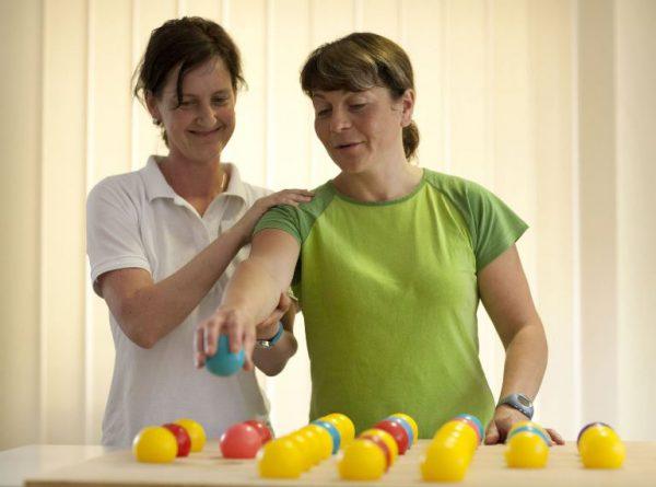 Neurologische Reha: Auch späte Therapie bringt neue Chancen