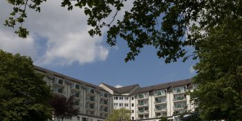 Vorschläge für eine verbesserte Energieeffizienz: Ein halbes Jahr lang untersuchten zwei Studenten der TH Köln die Dr. Becker Rhein-Sieg-Klinik in Nümbrecht.