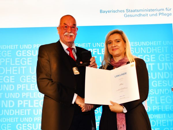 DTL-Präsident Volker Albert erhält die Bayerische Staatsmedaille für Verdienste um Gesundheit und Pflege