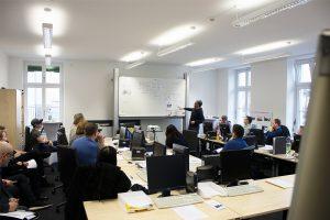"""Ein Widerspruch zum Thema """"Digitalisierung 4.0"""": Eine interaktive analoge Präsentation bezieht die Teilnehmer in die Diskussion mit ein und verdeutlicht die dargelegten Inhalte. © M. Lindner, BFW Leipzig"""