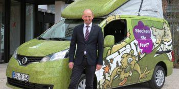 Das Info-Mobil mit BFW-Geschäftsführer Günther Renaltner.