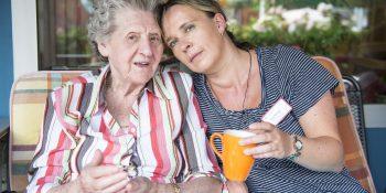 "Titelbild ""Leben mit der Diagnose Alzheimer"" (Copyright: Nottebrock / Alzheimer Forschung Initiative e.V.)"