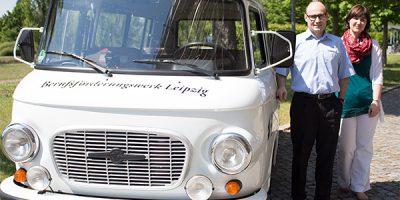 Am 27. Juni ist der weiße BARKAS als Infomobil des BFW Leipzig in Sachen Beratung zur beruflichen Rehabilitation in Lutherstadt Wittenberg unterwegs. © A. Starke, BFW Leipzig