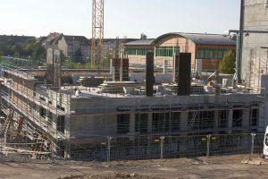 Der Rohbau der ersten Etage steht. Im Vier-Wochen-Rhythmus entstehen nun noch die drei weiteren Stockwerke im Rohbau. © M. Lindner, BFW Leipzig