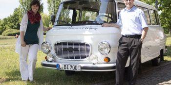 Am 25. Juli ist der weiße BARKAS als Infomobil des BFW Leipzig in Sachen Beratung zur beruflichen Rehabilitation in Altenburg unterwegs. © A. Starke, BFW Leipzig