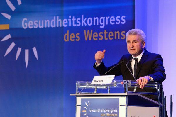 Minister Pinkwart fordert mehr Datentransparenz
