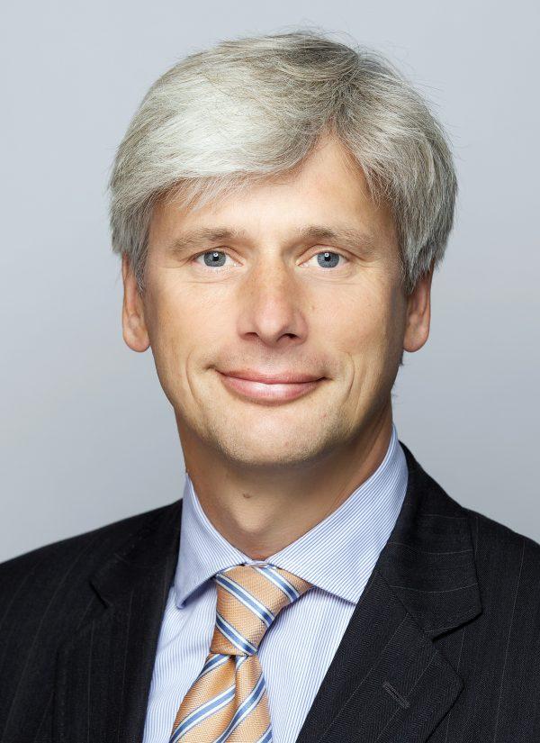 Dr. med. Dr. jur. Martin Siebert wird den Vorsitz der Geschäftsführung von Paracelsus-Kliniken Deutschland übernehmen