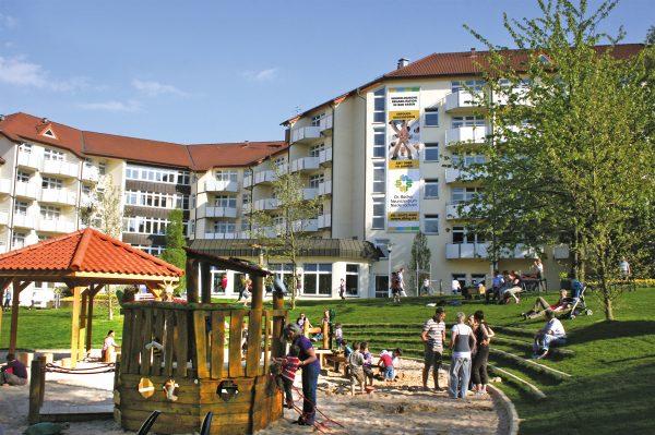 Großes Fest für Jung und Alt: Dr. Becker Neurozentrum Niedersachsen feiert 10-jähriges Jubiläum