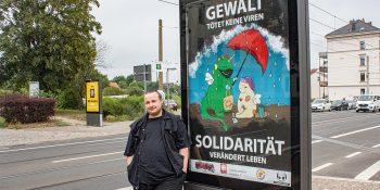 Kay Christian Dominte, Umschüler im BFW Leipzig, prägt mit seinem Plakat seit Wochen das Stadtbild von Leipzig © M. Lindner, BFW Leipzig