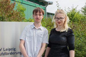 Marvin und Sarah haben nach vier Jahren Berufsvorbereitung und Erstausbildung ihren Abschluss am BTZ Leipzig geschafft. © M. Lindner, BFW Leipzig