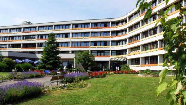 Knappschafts-Klinik Bad Driburg erhält Zertifikat: Zertifiziertes Rehabilitationszentrum für Patientinnen und Patienten mit Herzunterstützungssystemen