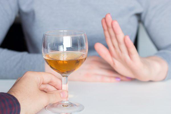 HausMed entwickelt neuen Online-Kurs, um Alkoholkonsum zu reduzieren