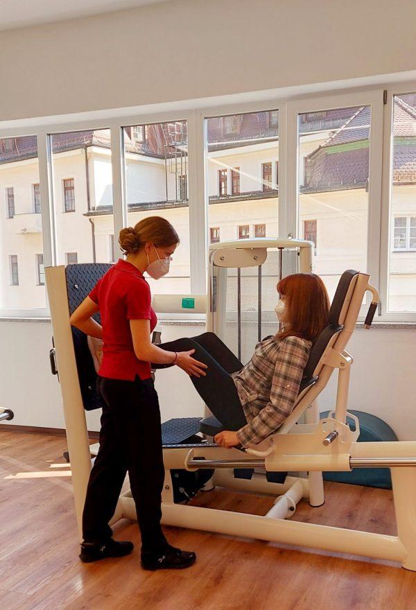 Reha-Klinik am Hausstein belegt Spitzenplatz bei der Behandlung chronischer Rückenschmerzen
