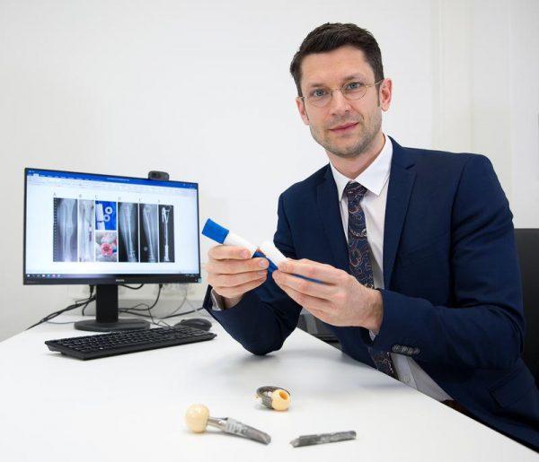 Prof. Dr. Boris Holzapfel ist neuer Direktor der LMU-Klinik für Orthopädie, Physikalische Medizin und Rehabilitation